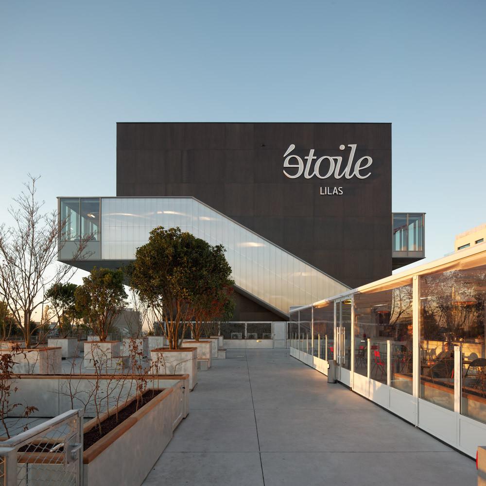 gallery of etoile lilas cinema hardel et le bihan architectes 17. Black Bedroom Furniture Sets. Home Design Ideas