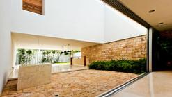 Montebello 332 / Jorge Bolio Arquitectura