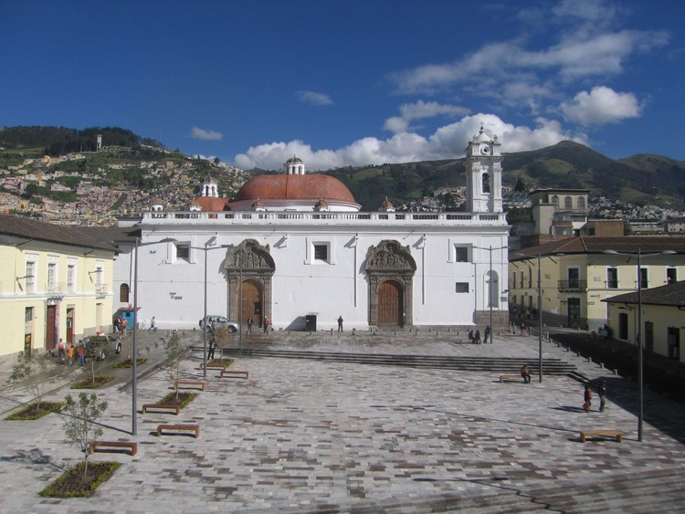 Plaza Santa Clara / Municipio del Distrito Metropolitano de Quito, © Boris Albornoz
