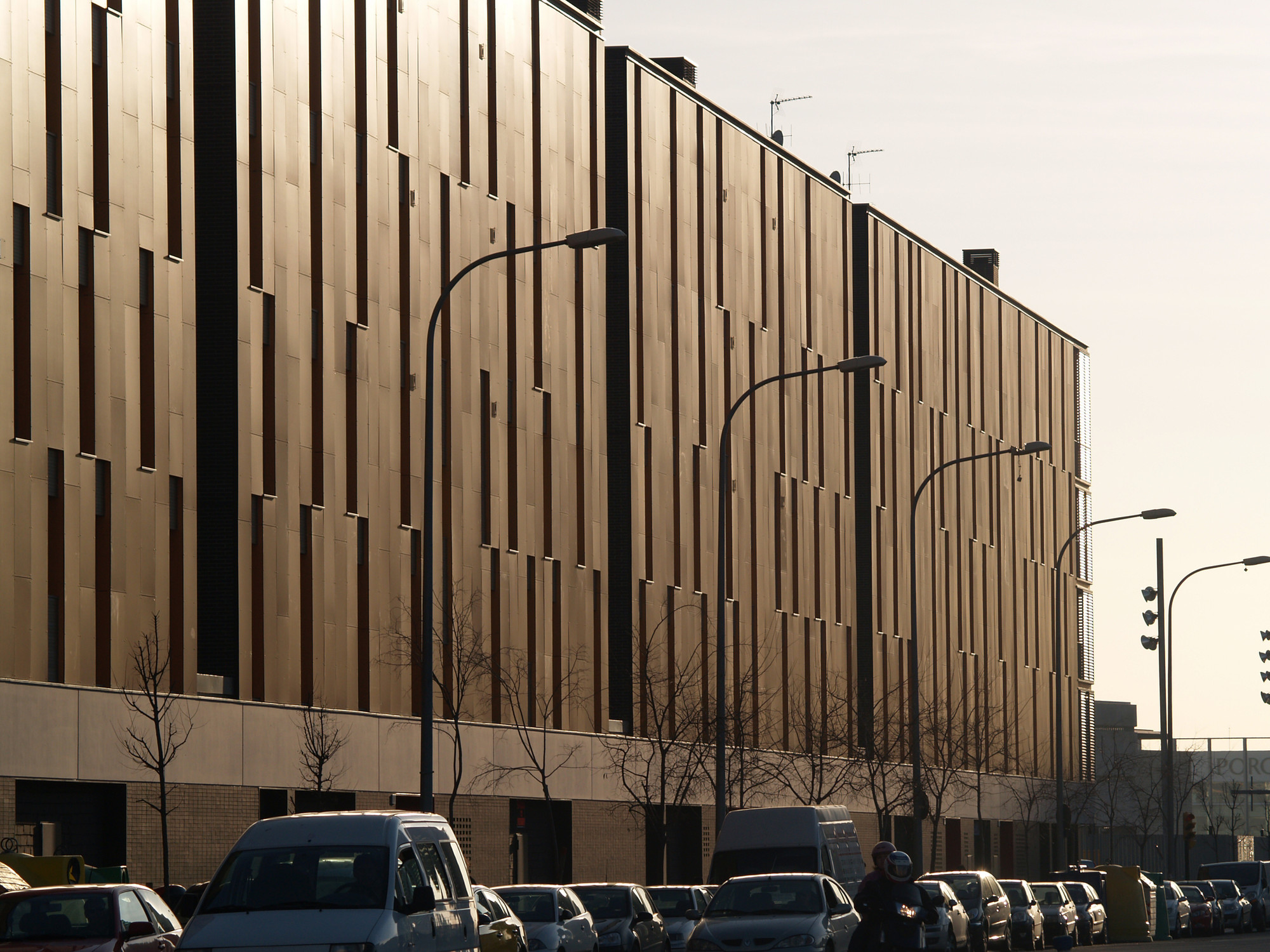 Galeria De Conjunto Habitacional Com 233 Rcio E Estacionamentos Onl Arquitectura 12