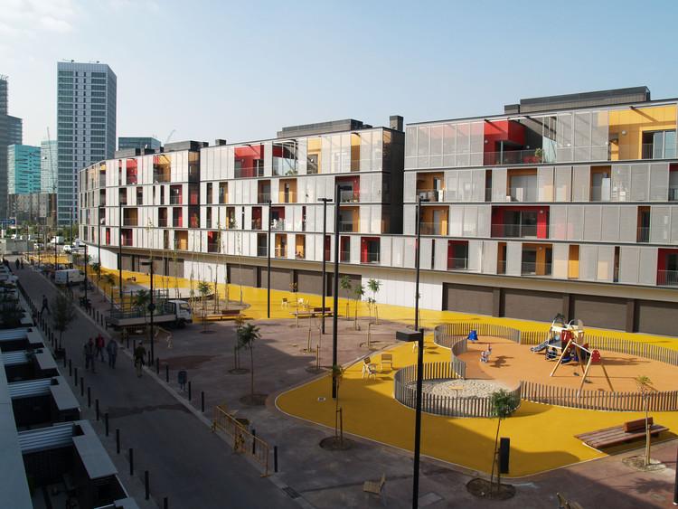 Bloque de 60 Viviendas, Locales y Aparcamiento / ONL Arquitectura, © Gianluca Giaccone
