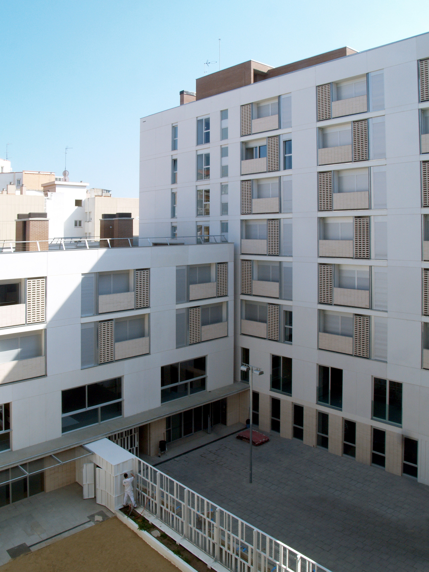 Gallery of 154 rental social housing and public building - Arquitectura barcelona ...