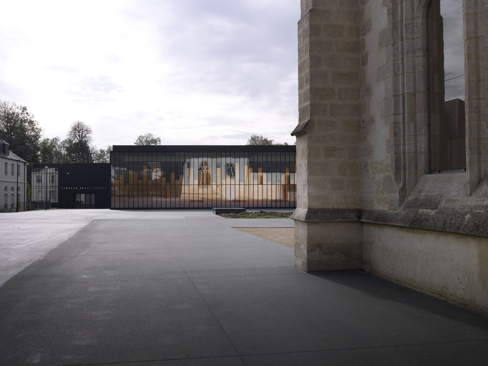 Gymnasium and Town Hall Esplanade / LAN Architecture