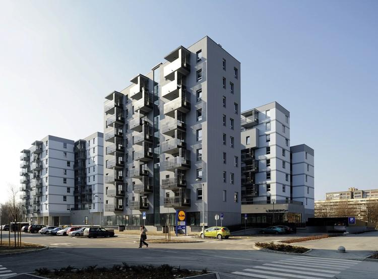 Edificio de Oficinas y Viviendas Savica  / Studio Za Arhitekturu, © Sandro Lendler