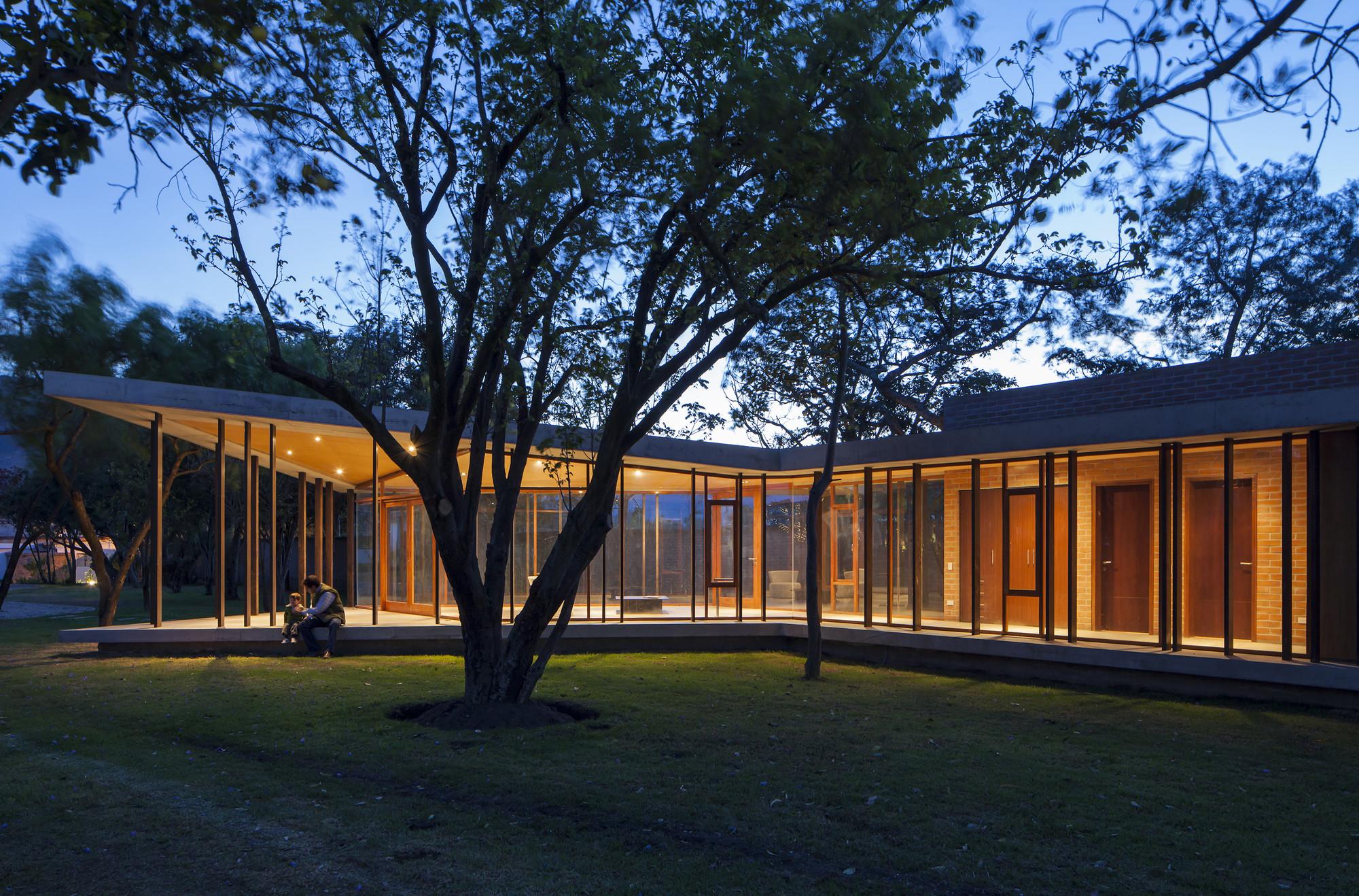 Caba as tumbaco diez muller arquitectos archdaily - Cabanas modernas ...