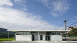 9 Gathered Huts / NKS Architects