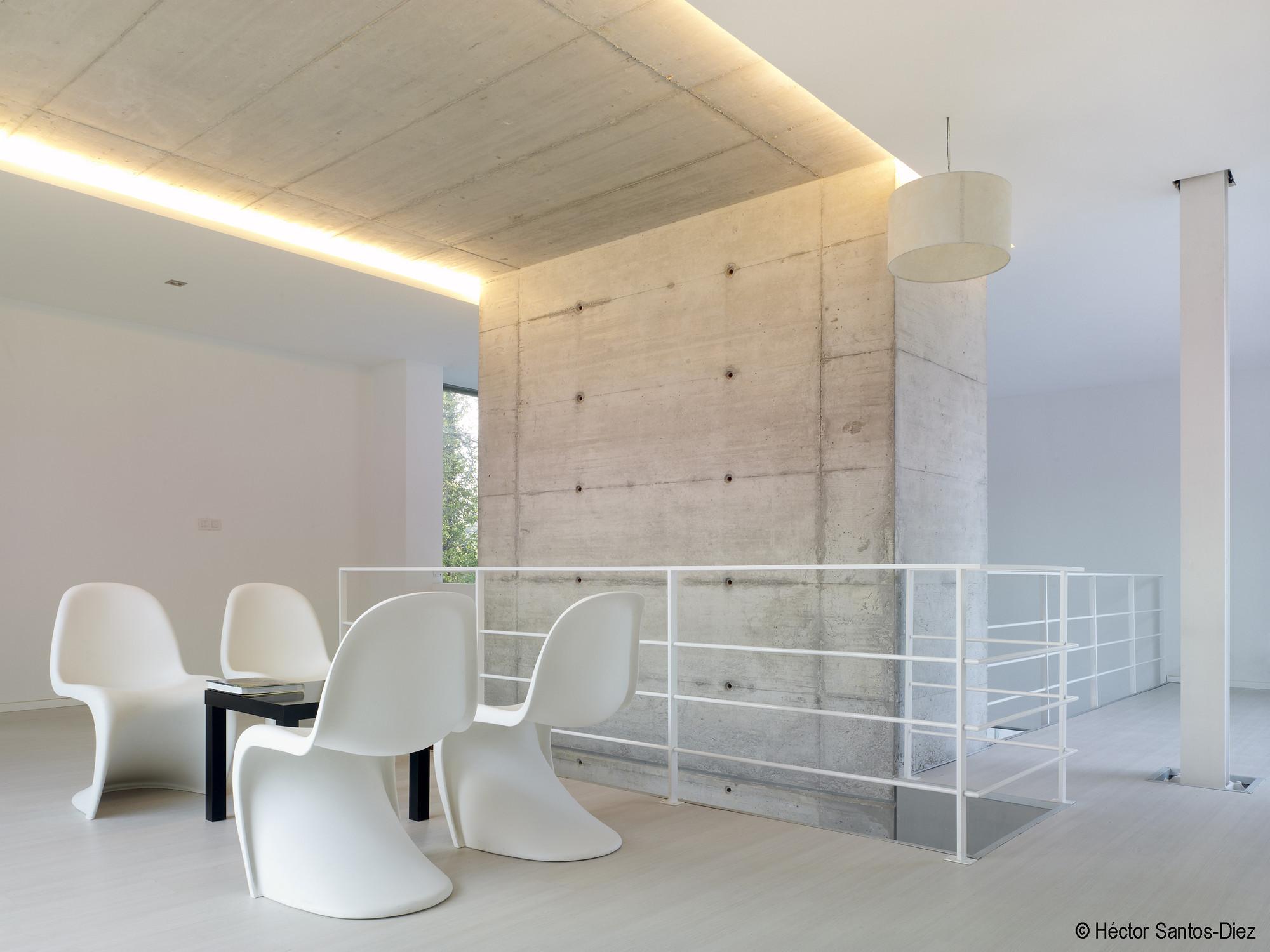 Gallery of EINS House / Óscar Pedrós