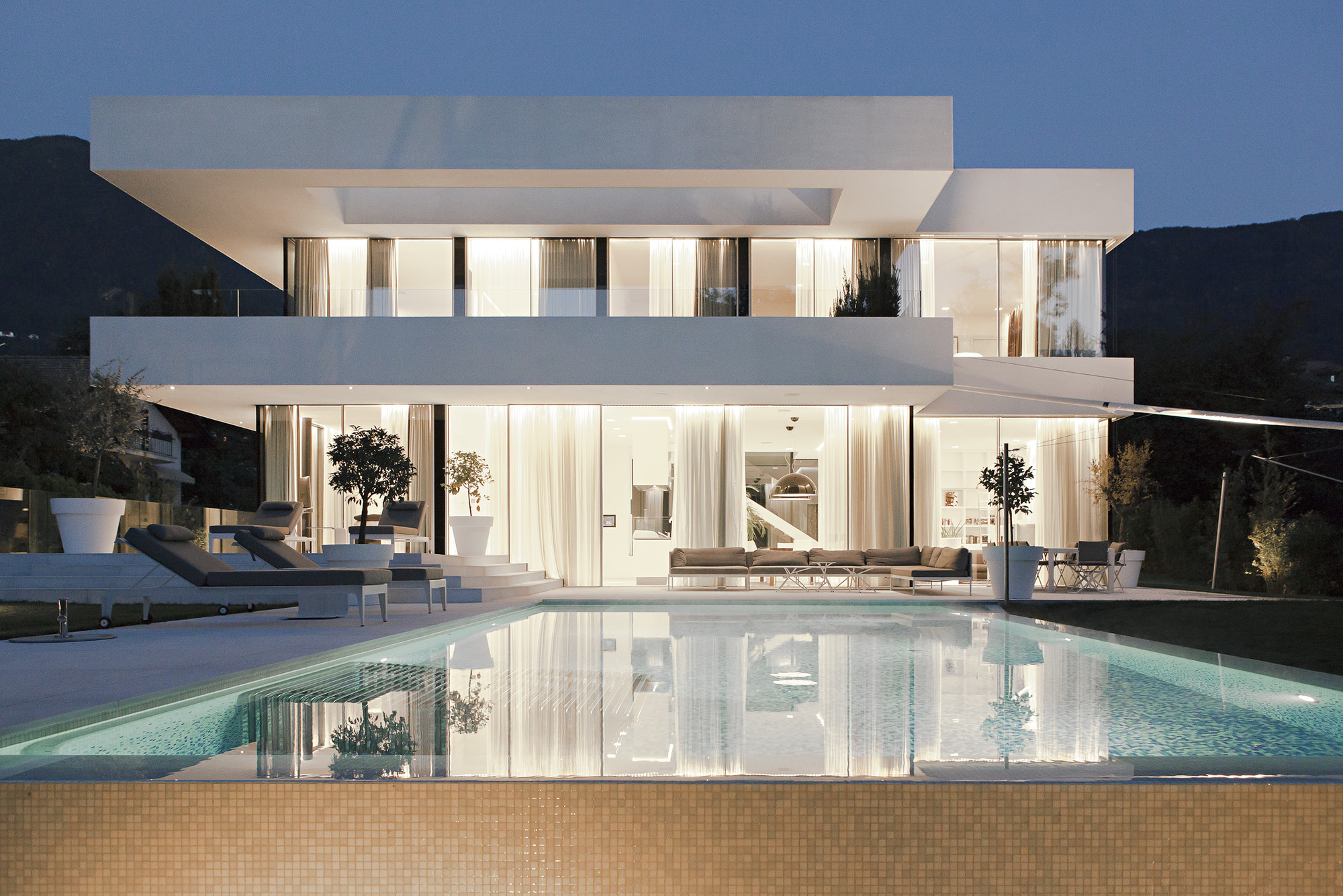 House M / monovolume architecture + design | ArchDaily