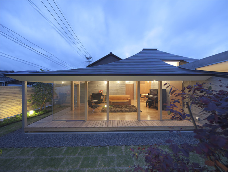 Broken Pitched Roof House / NKS Architects, Courtesy of NKS Architects
