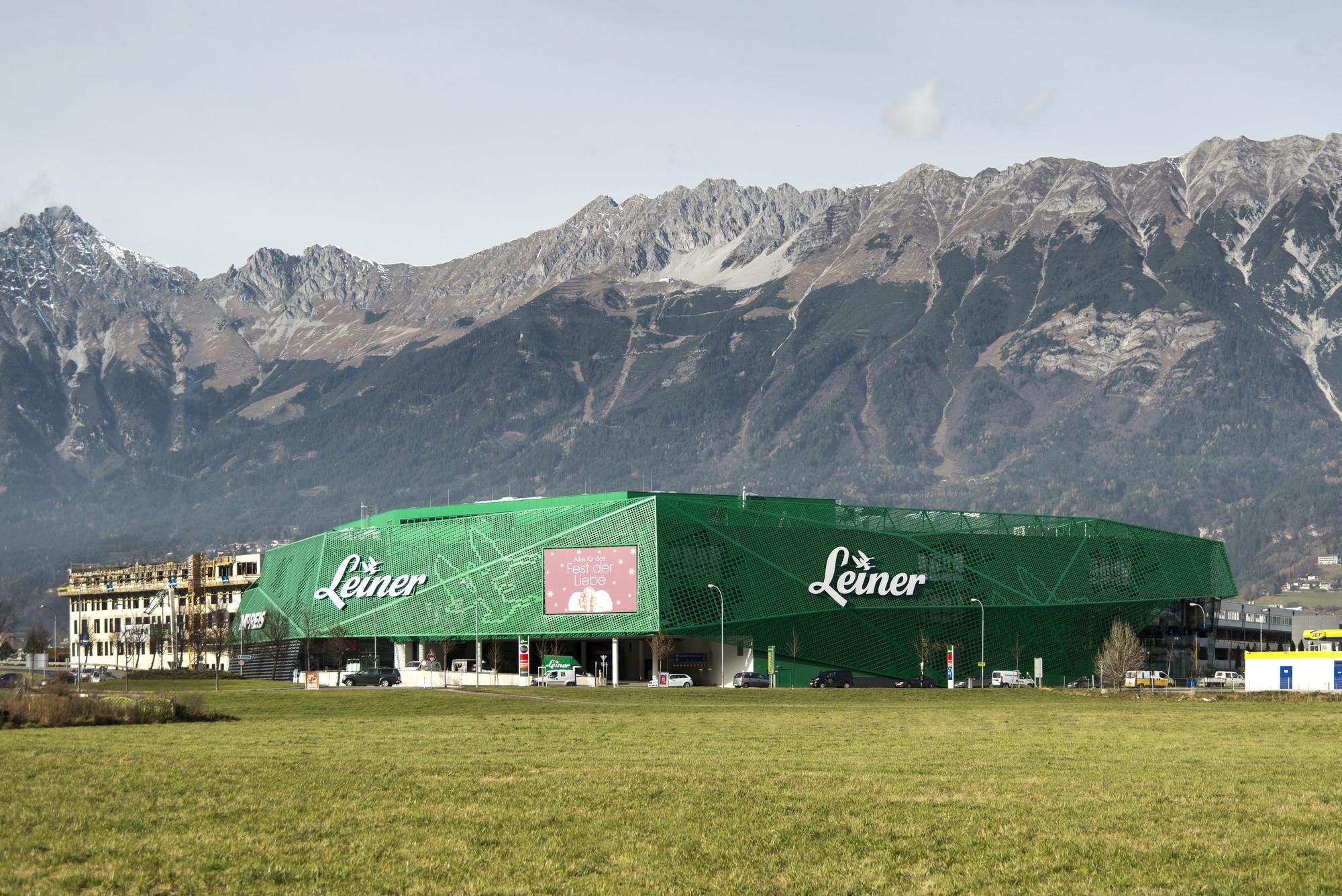 Leiner Furniture Store / Zechner & Zechner