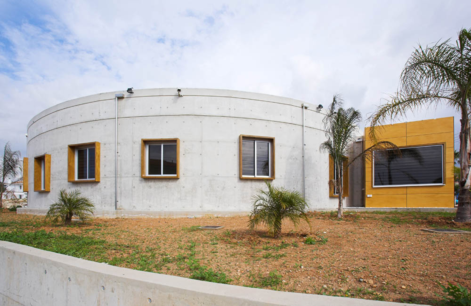 Outstanding Garden Round Houses Gallery - Simple Design Home ...