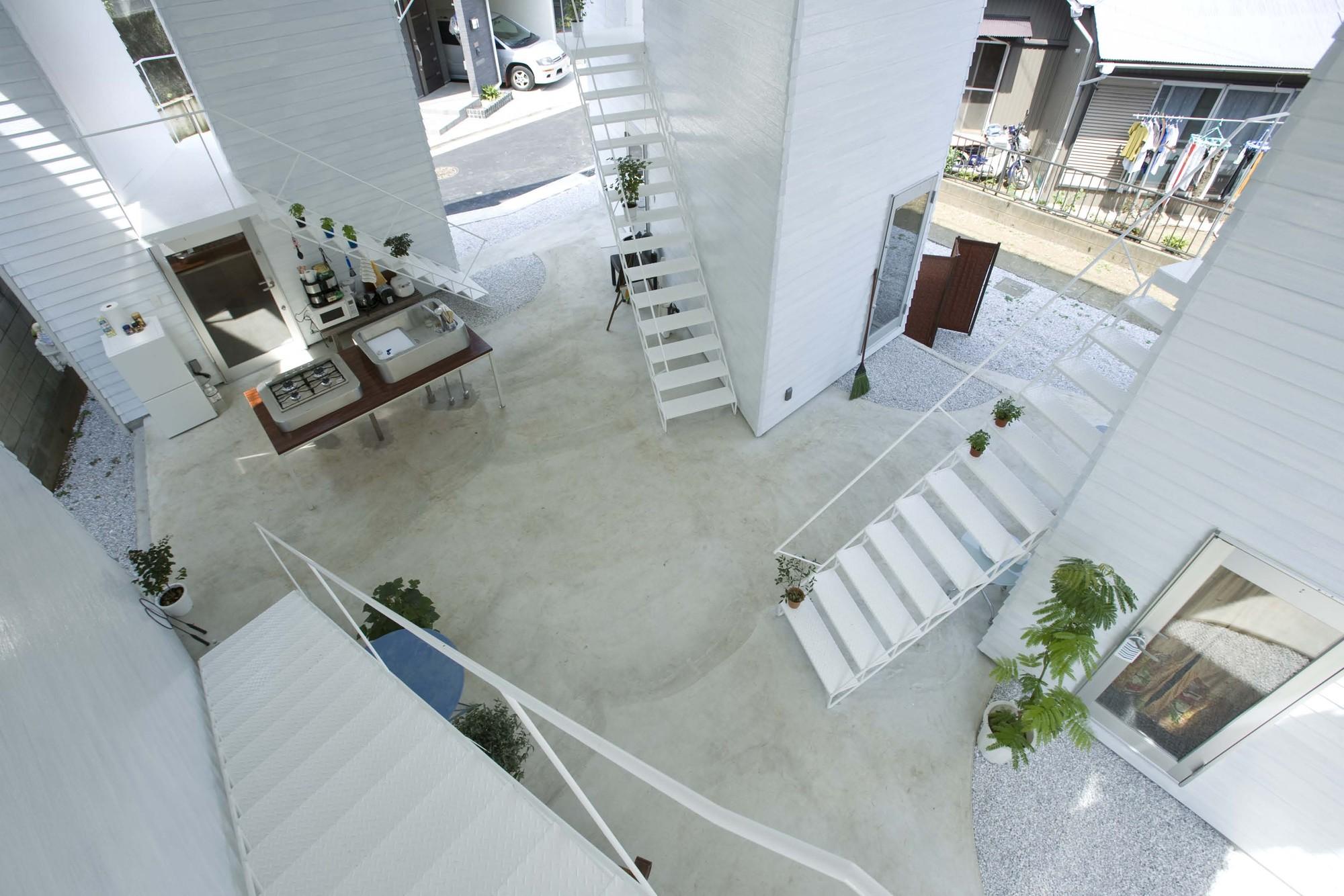 Yokohama apartment on design partners archdaily for Apartment floor plans in japan