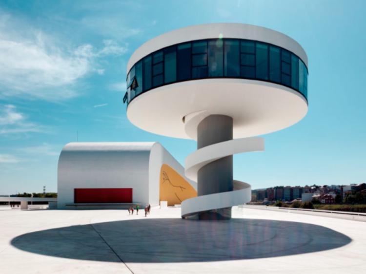 Luz natural y Arquitectura: el legado que nos deja Oscar Niemeyer, vía parq