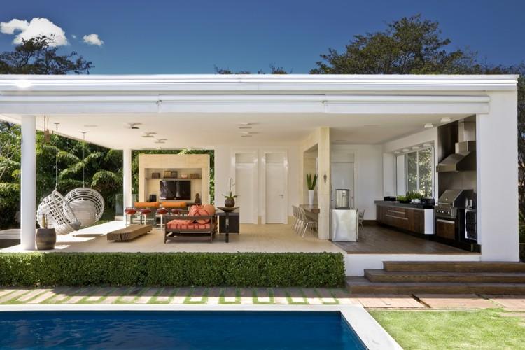 URBAN COUNTRY HOUSE / Consuelo Jorge Arquitetos, Cortesia de Consuelo Jorge Arquitetos