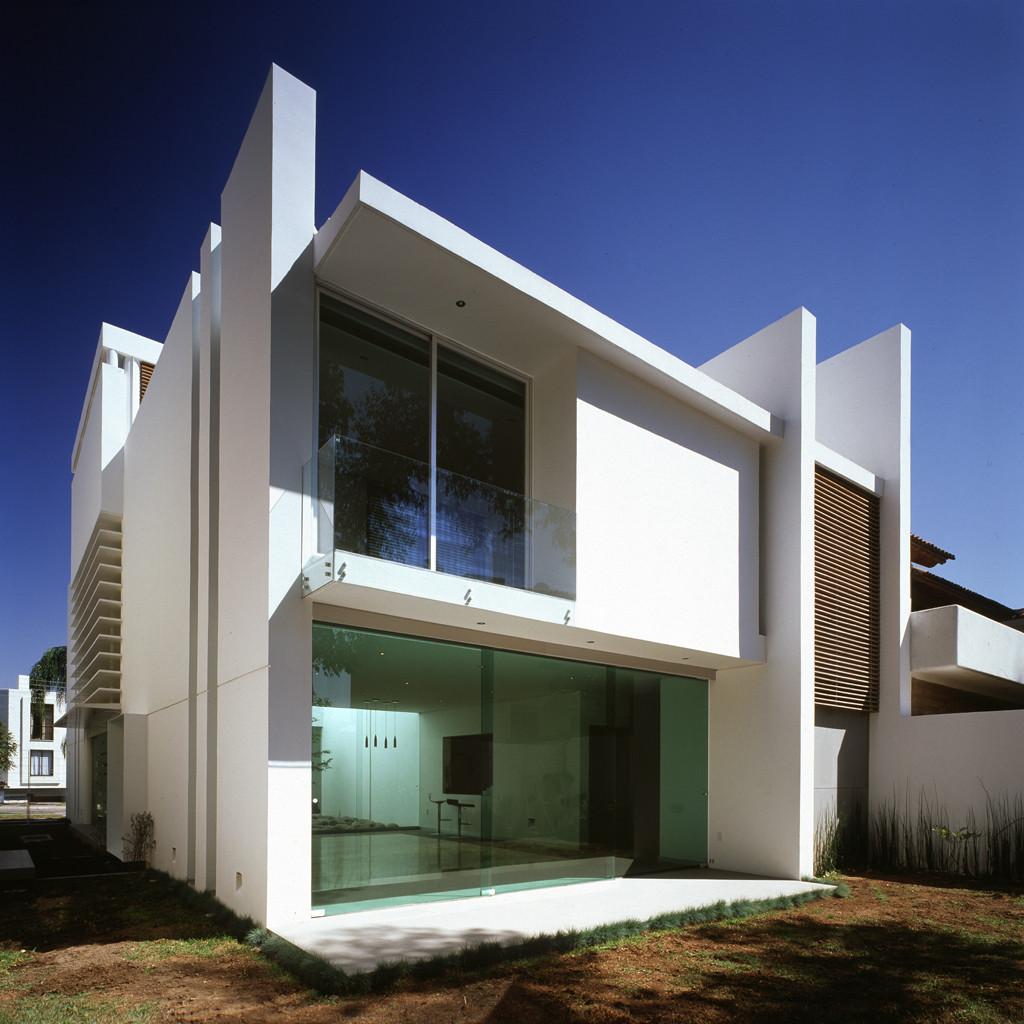 Casa t agraz arquitectos archdaily m xico for Casa minimalista 2 dormitorios