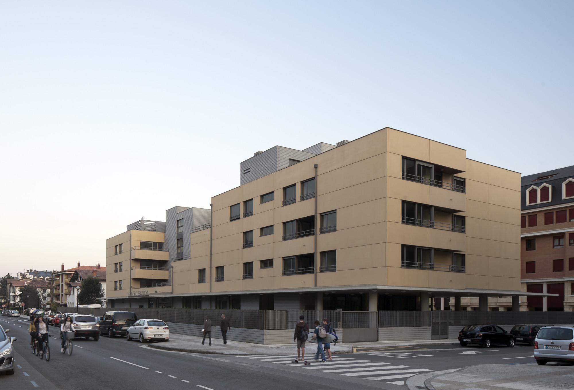 Galer a de apartamentos para mayores y centro de d a en zarautz ignacio quemada arquitectos 4 - Apartamentos en zarauz ...