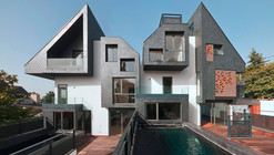 2 Houses with 6 Homes / nodo17 Architects