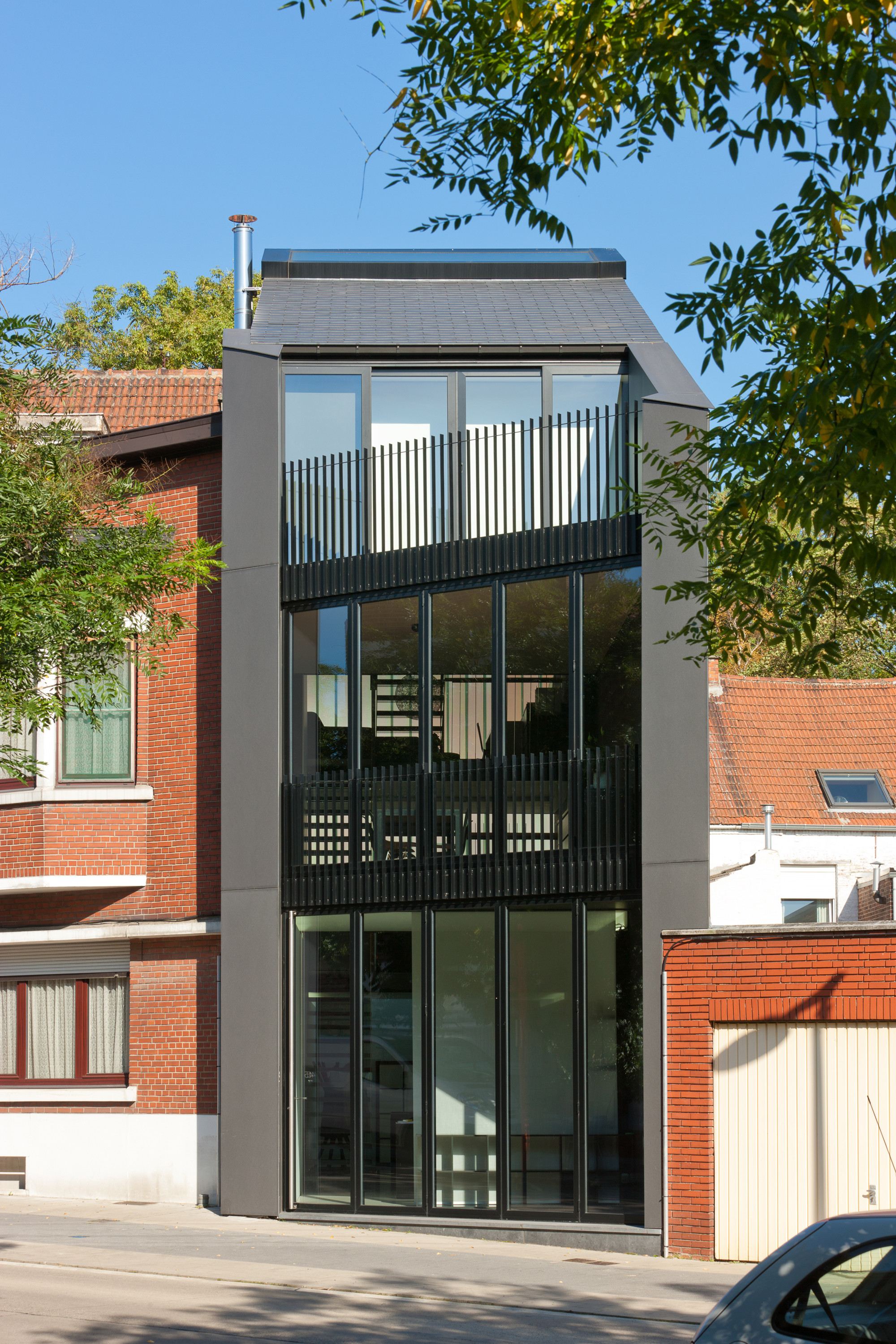 Office AST 77 + Apartment / AST 77, © Marcel Van Coile