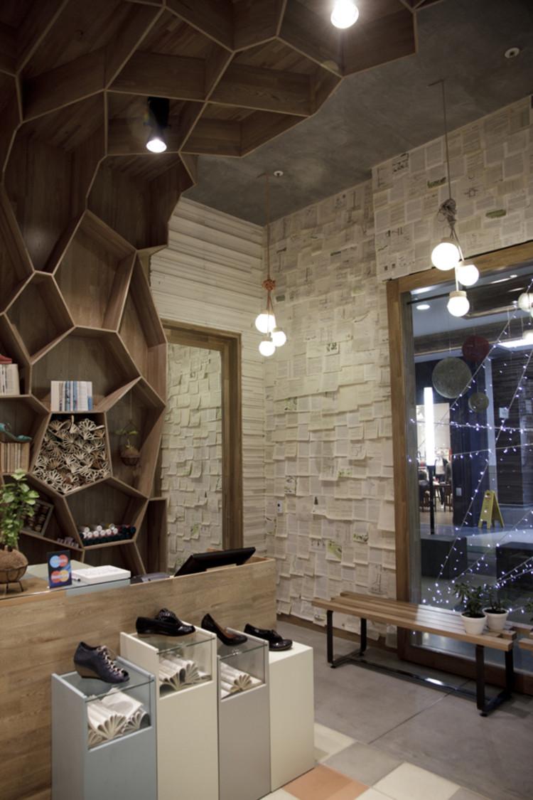 Tiendas tamara brazdys plasma dise o archdaily per for Paginas de diseno de interiores