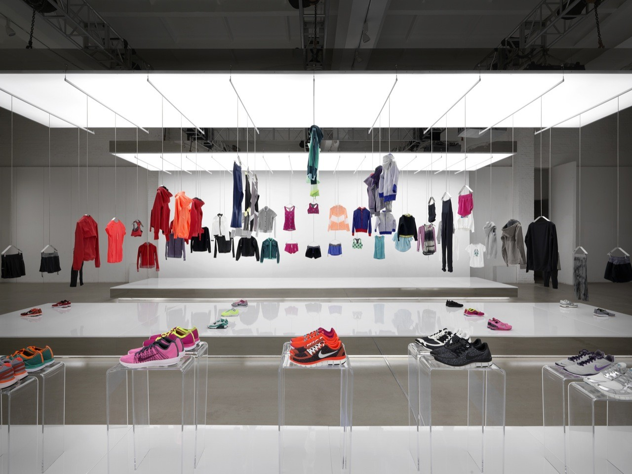 Nike Pop Up Showroom / Maggie Peng
