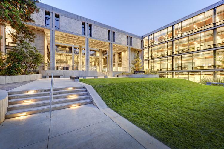 Biblioteca McHenry / Marcel Breuer, © Chad Ziemendorf