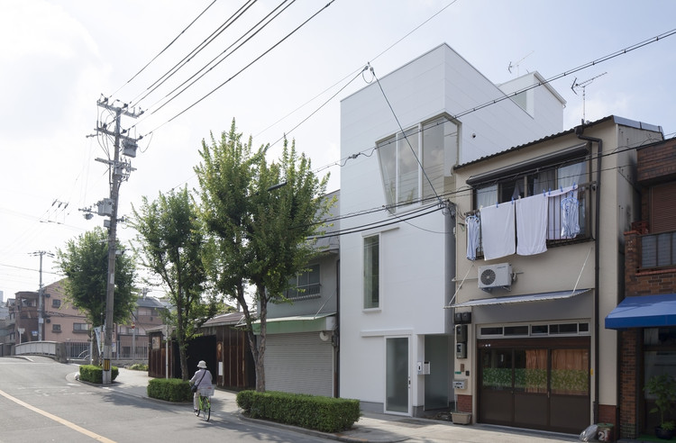 House in Tamatsu / Ido, Kenji Architectural Studio, © Yohei Sasakura