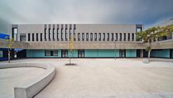 Escuela Secundaria EB2/3 en Salvaterra de Magos / JLLA