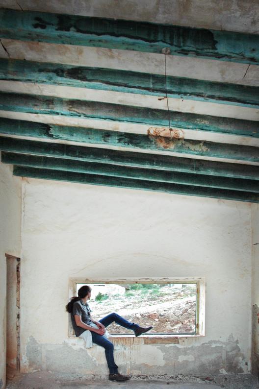 A luz no fim do túnel: A reinvenção da Arquitetura na Espanha a partir da Crise, Ventana abierta a otras arquitecturas © Ana Asensio