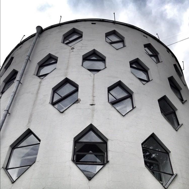Acaba-se o tempo para a Casa Melnikov, via ArchDaily Instagram