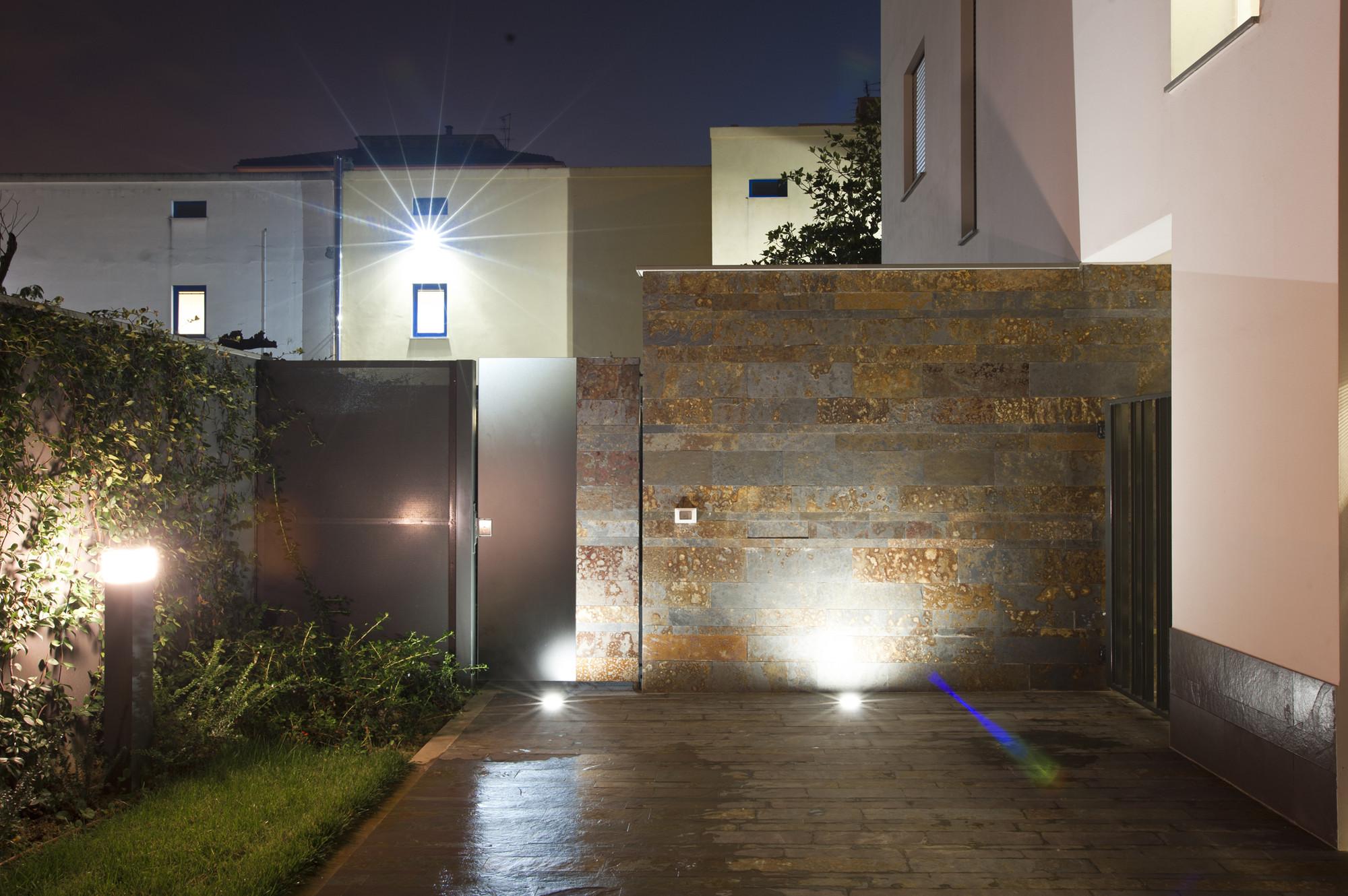 Illuminazione Ingresso Esterno : Le luci a led sono un must per l illuminazione da esterno di case
