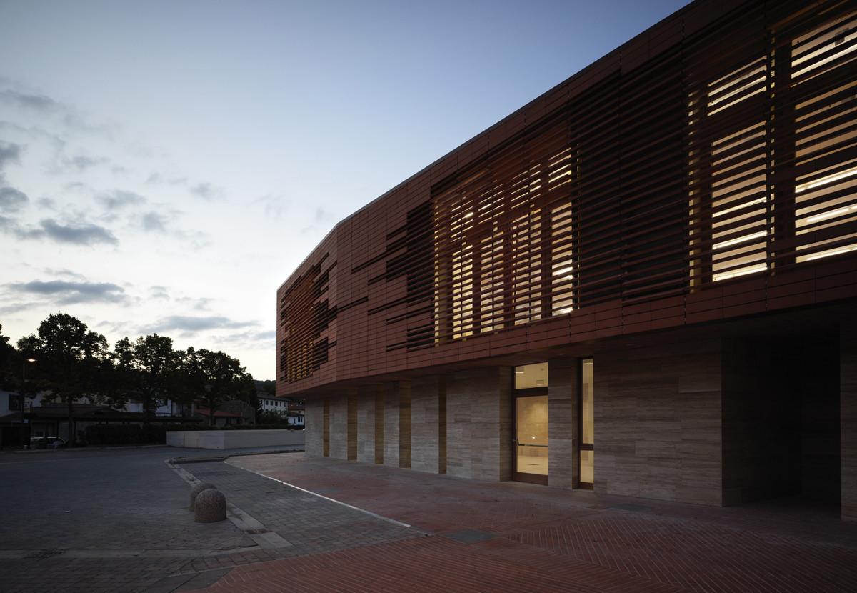 Municipal Library of Greve / MDU Architetti