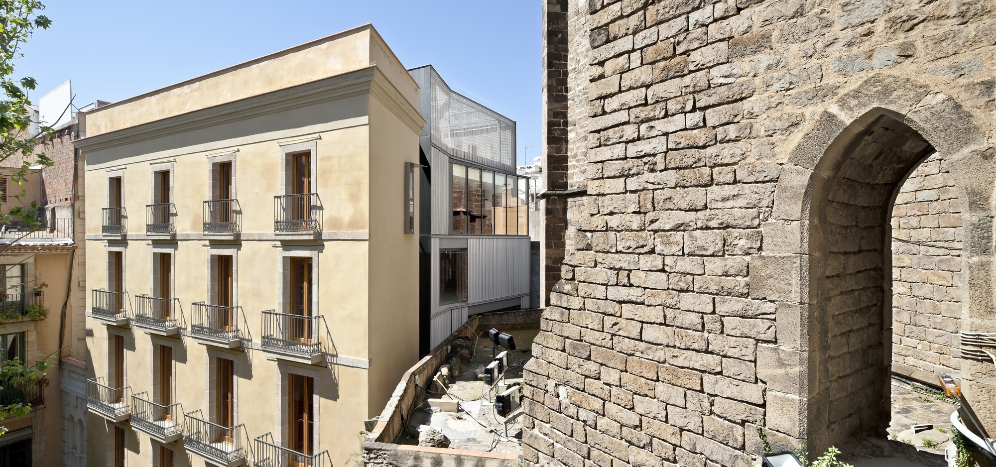 Toy Library and Offices / taller 9s arquitectes, © Adrià Goula