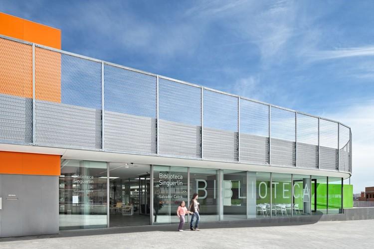 Library in Singuerlin / taller 9s arquitectes, © Adrià Goula