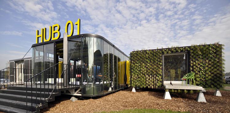 Hub 01 - Terminal  Móvel de Habitação para Estudantes / dmvA Architecten + A3 Architects, © Mick Couwenbergh