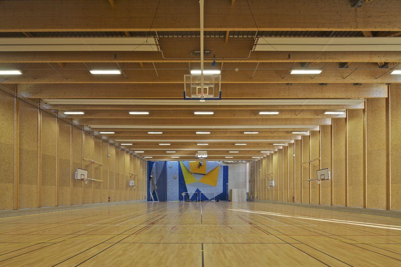 Galer a de gimnasio en la baule barr lambot architectes Liner 5 50 x 1 32
