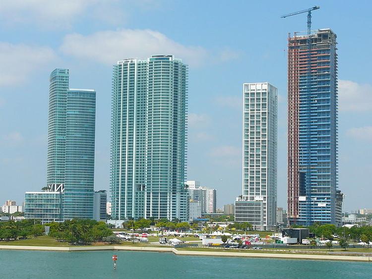 Zaha Hadid projetará arranha-céu em Miami, O muro de Biscayne © Marc Averette - Via Wikipedia