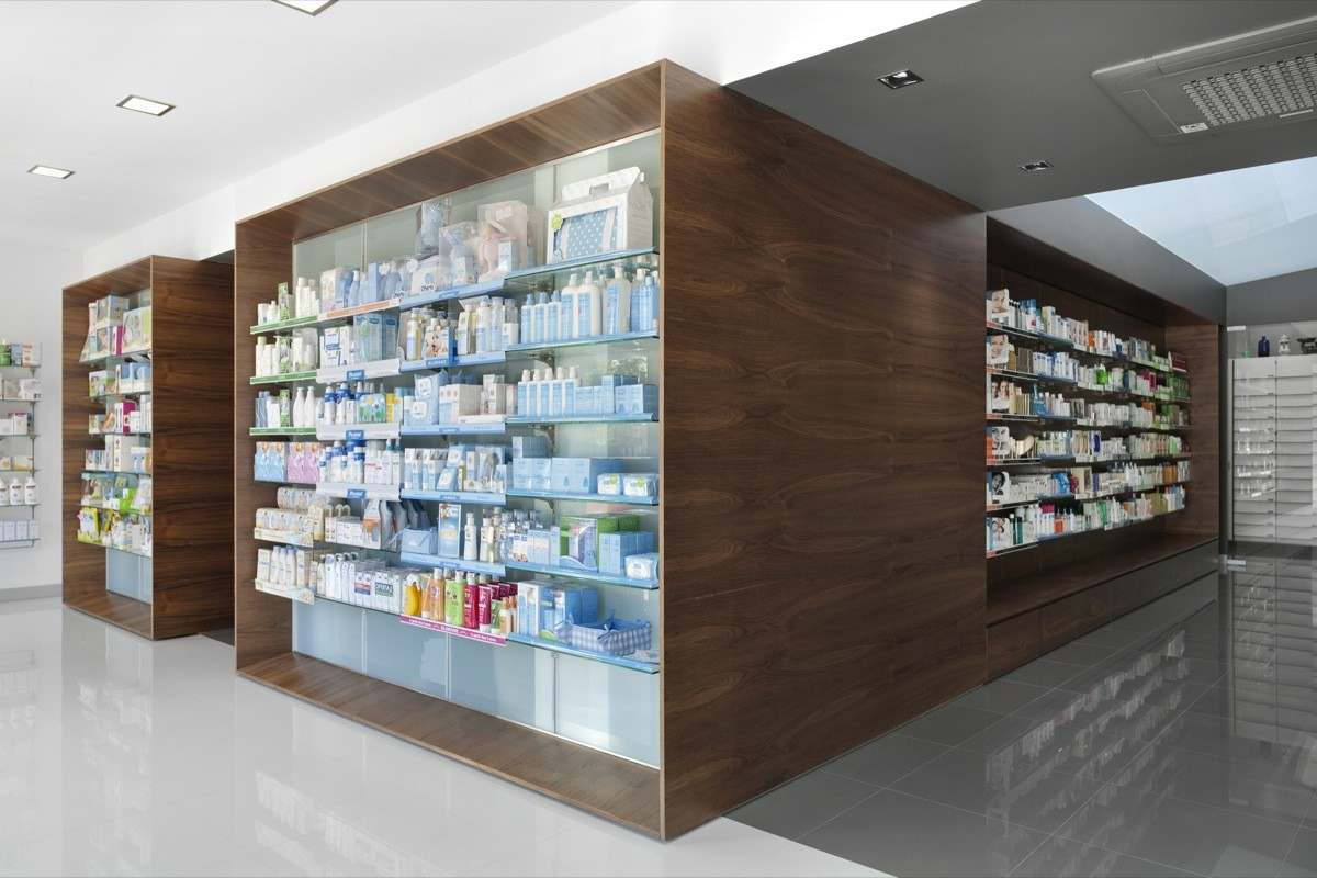 Gallery of campos pharmacy e 348 arquitectura 2 for Modern pharmacy design
