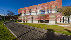 Escuela en Velká Chuchle / Grido