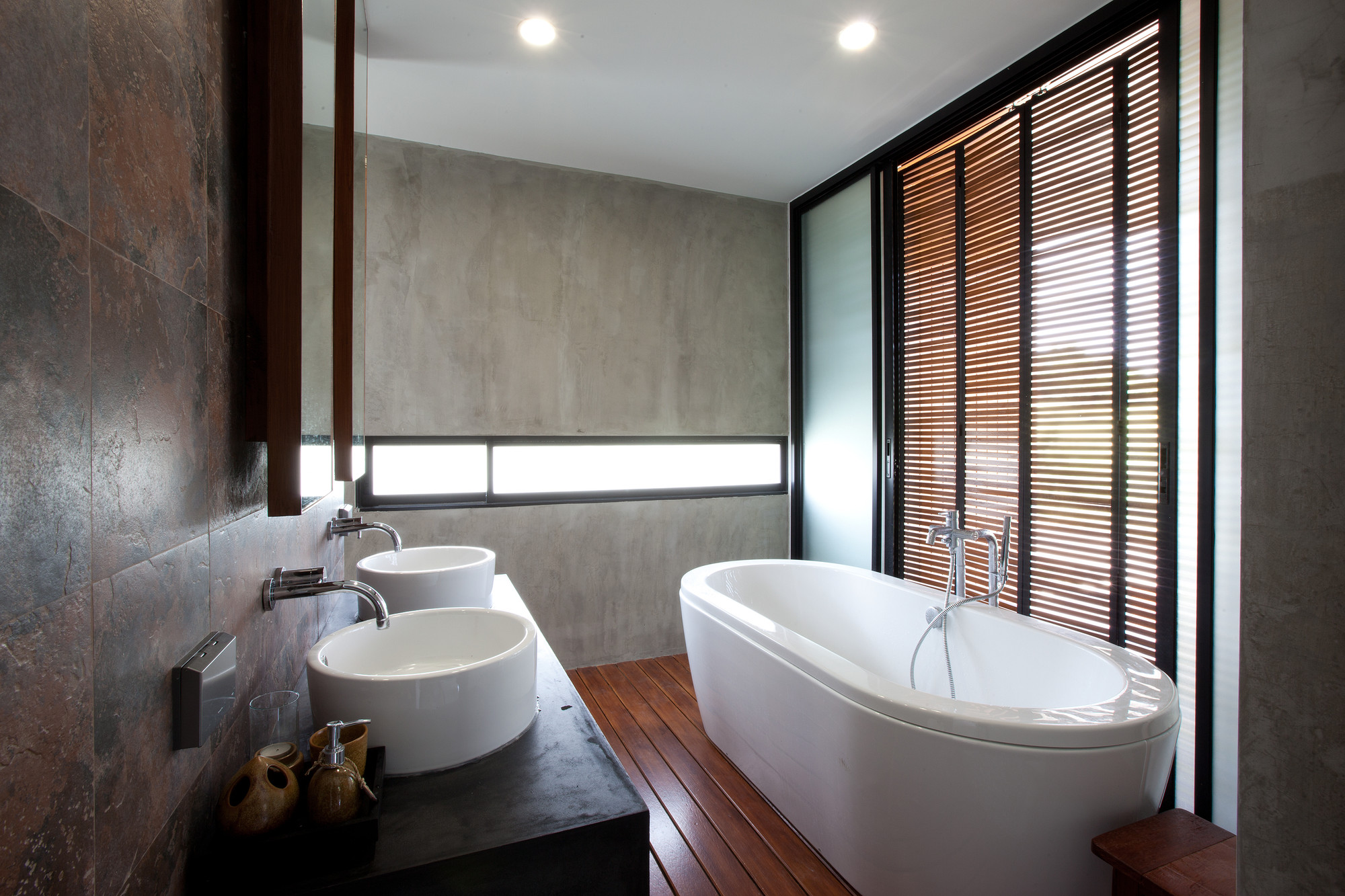 Gallery Of W House Idin Architects 23