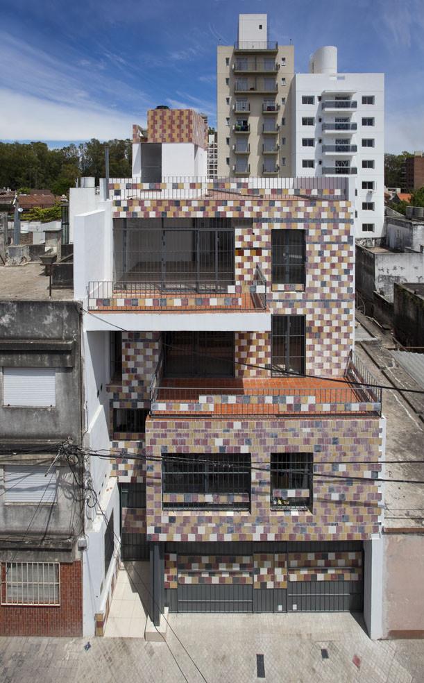 Edificio Grecco / Arzubialde Arquitectos, © Walter G. Salcedo