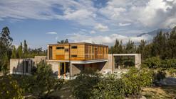 Casa em Cotacachi / Arquitectura X