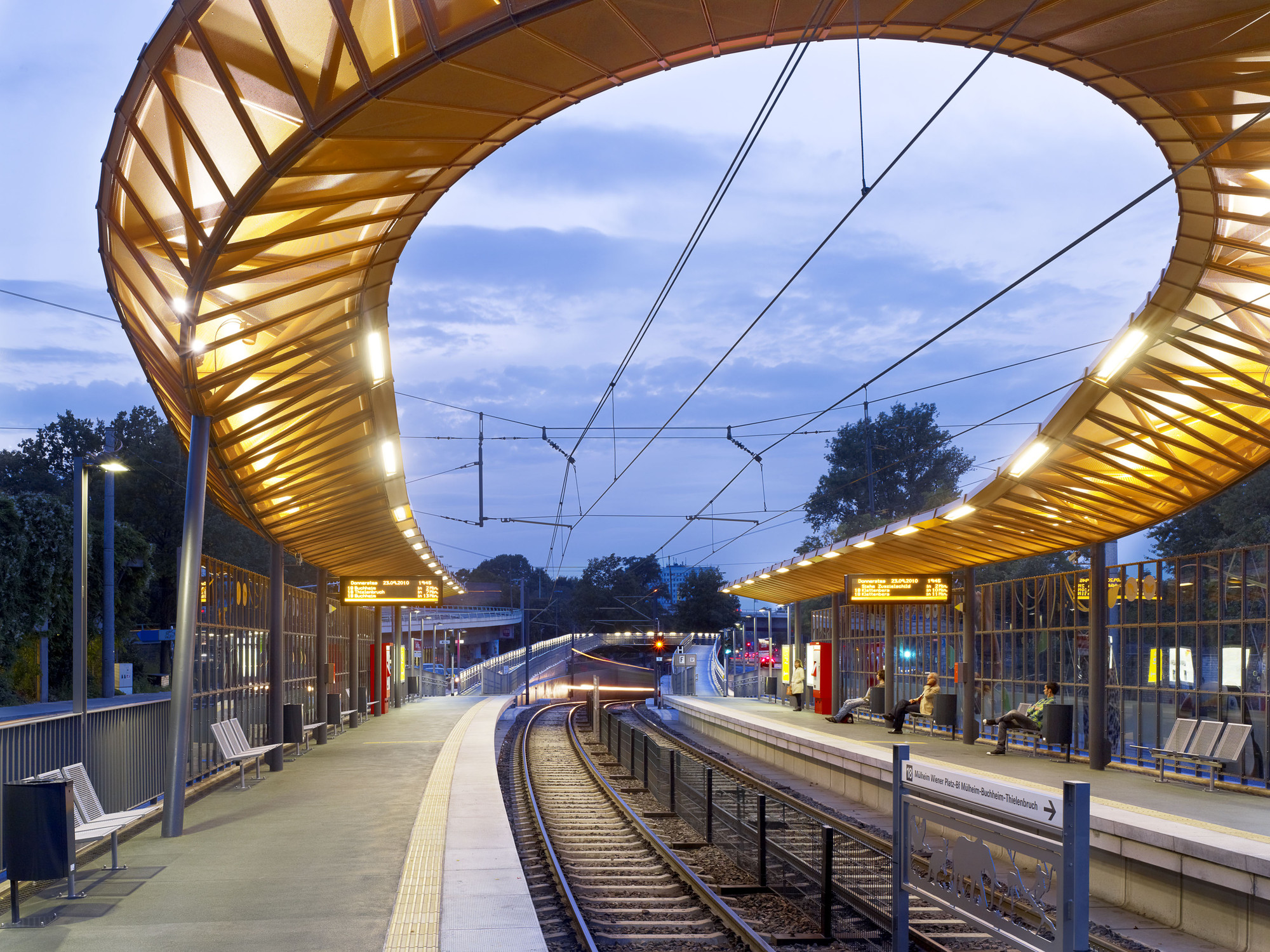 Zoo/Flora Rail Station / RÜBSAMEN+PARTNER, Courtesy of RÜBSAMEN+PARTNER