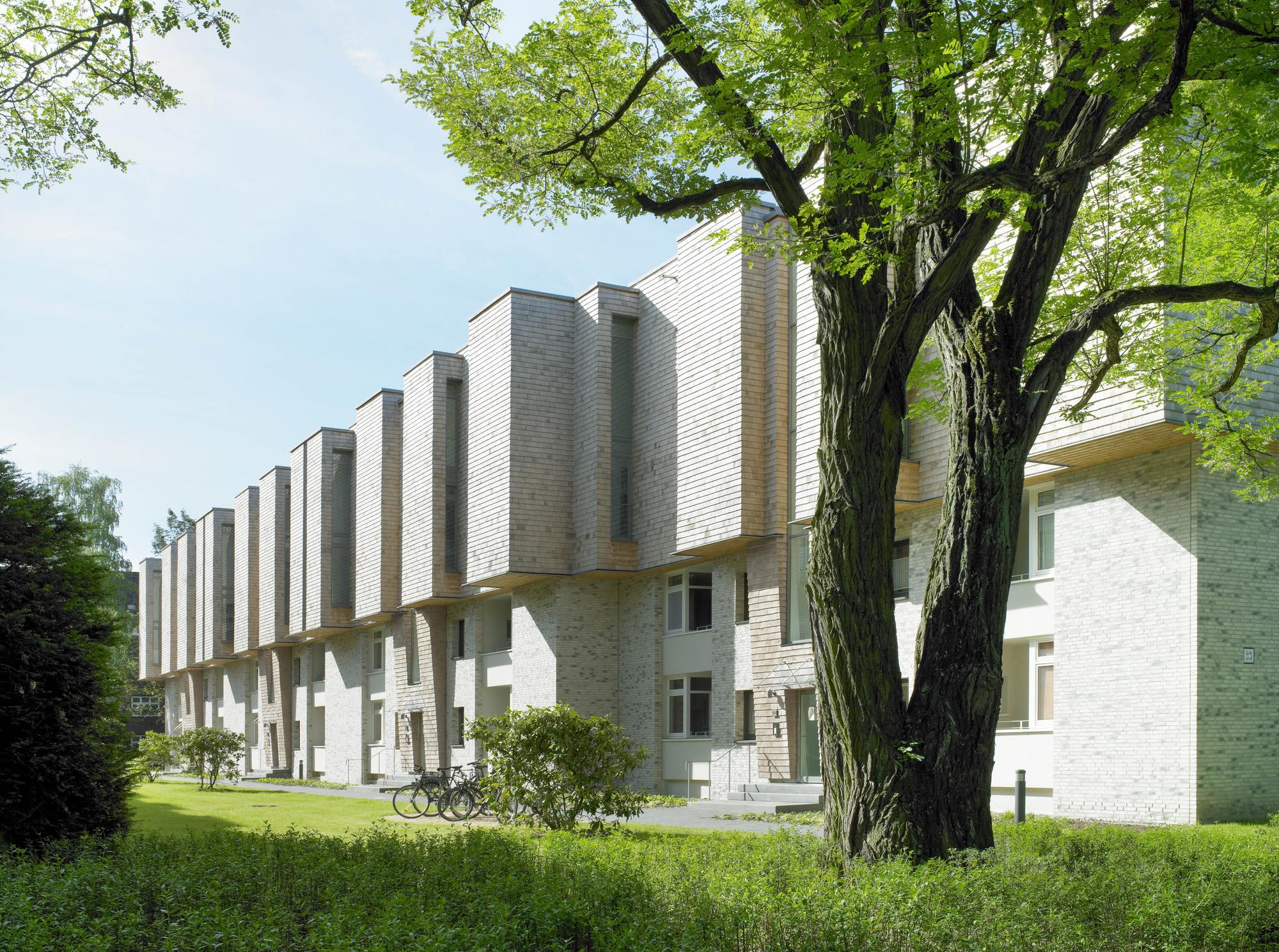 Treehouses Bebelallee / blauraum