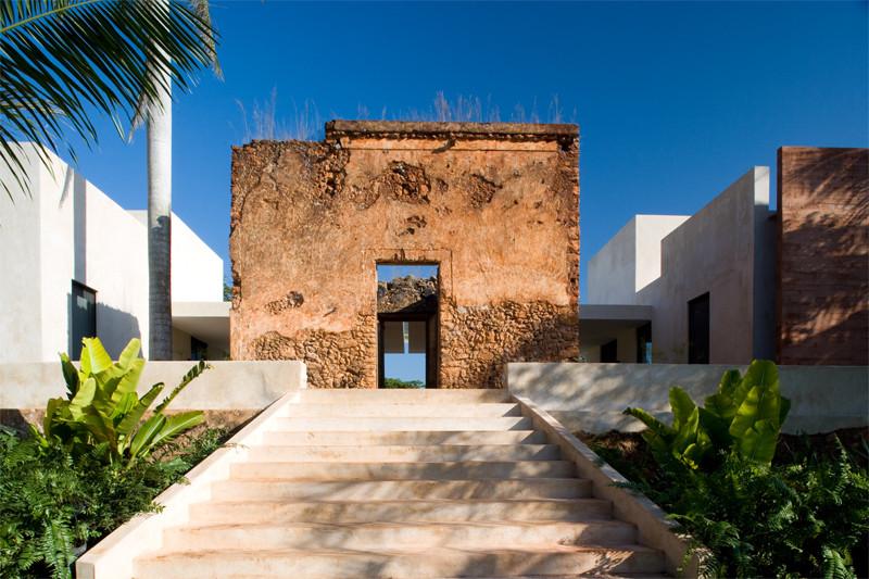 Bacoc Hacienda / Reyes Ríos + Larraín Arquitectos