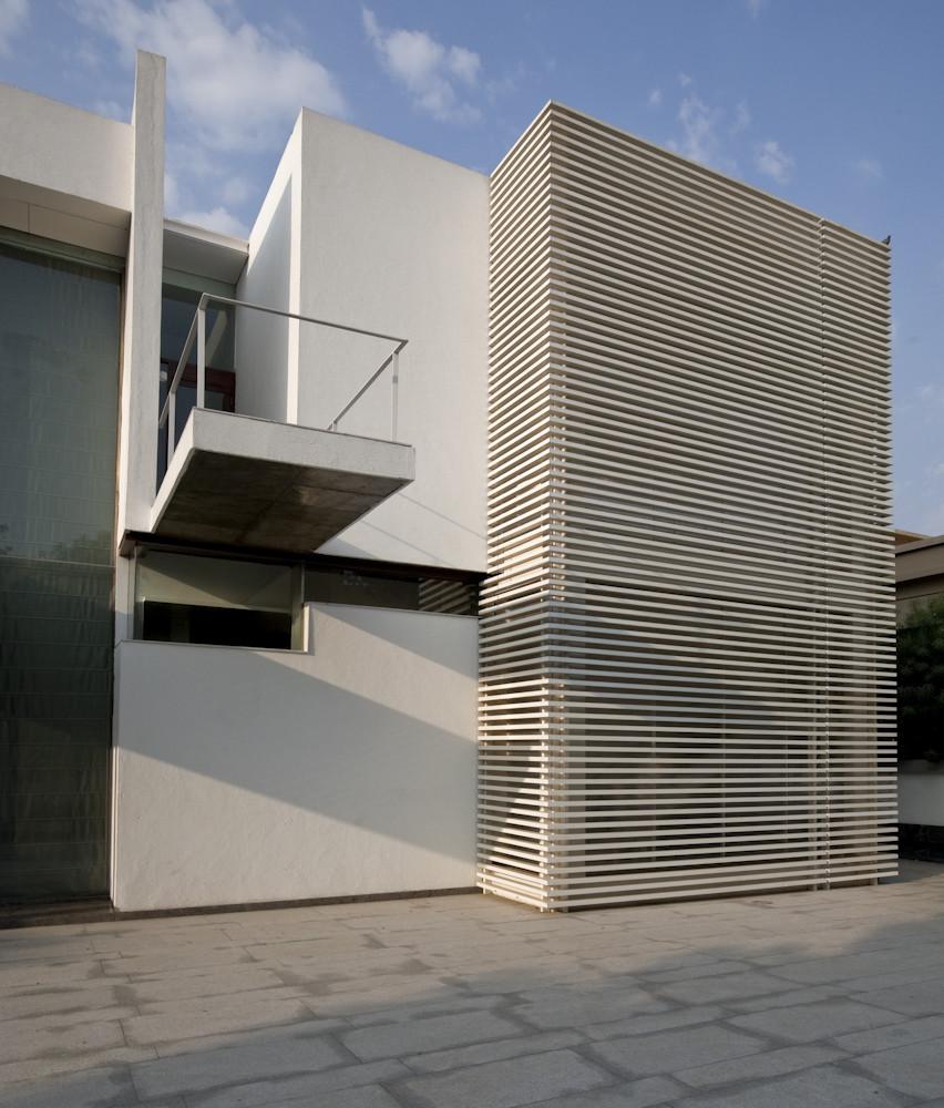 Poona House / Rajiv Saini