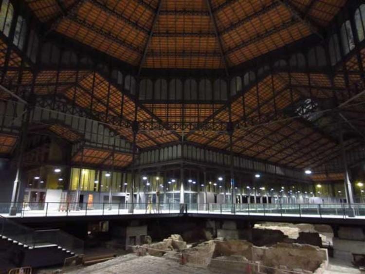 Novo projeto de iluminação para o antigo Mercado de Born / Lledó Iluminación, © vía lucescei