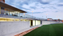 Centro de Esportes Vallpala  / Vicente Salvador Arquitecto + Ignacio Vidal Arquitecto