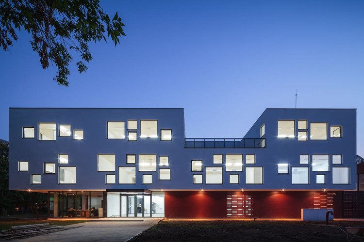 Dante Alighieri School Expansion / LTFB Studio, © Cosmin Dragomir