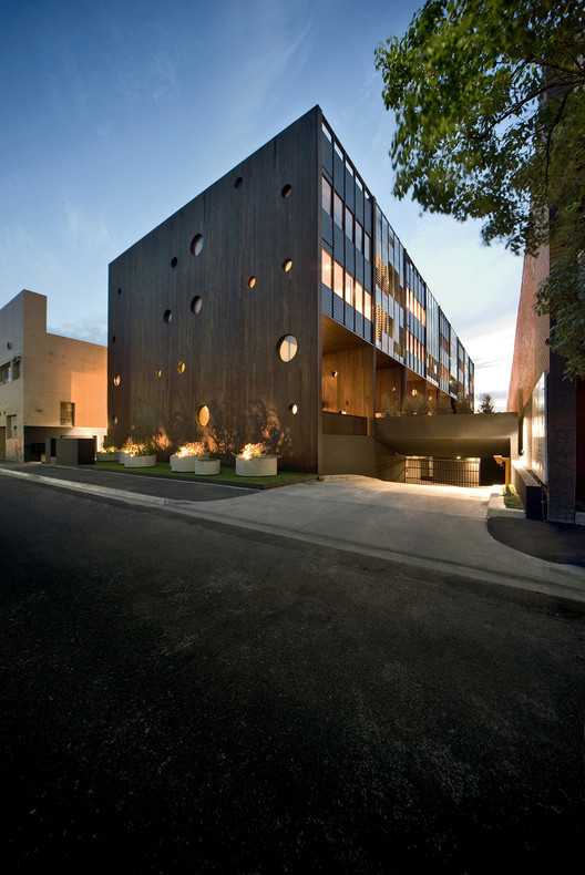 Hue Apartments / Jackson Clements Burrows Architects, © John Gollings