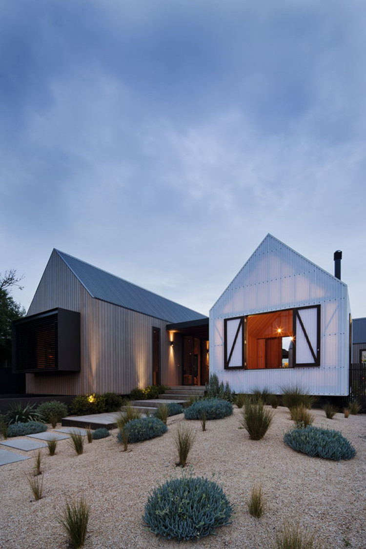 Seaview House / Jackson Clements Burrows Architects, © Shannon McGrath